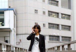 N612_hodoukyoudedenwasurudansei500