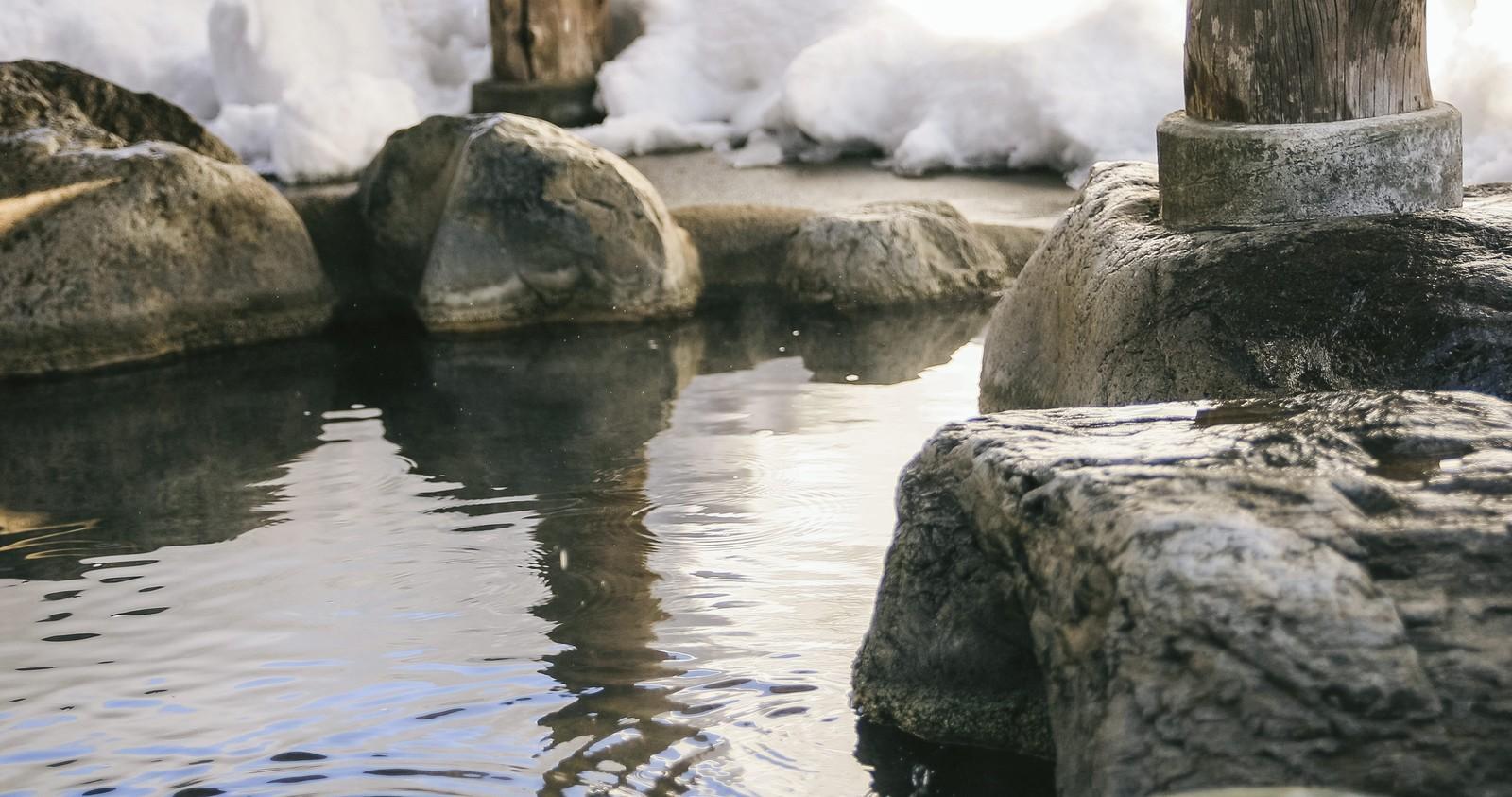 日本刺青大小事〜有刺青就不能泡溫泉、進游泳池?!〜/日本の刺青事情〜刺青してたらどうして温泉・プールに入れないの?!〜